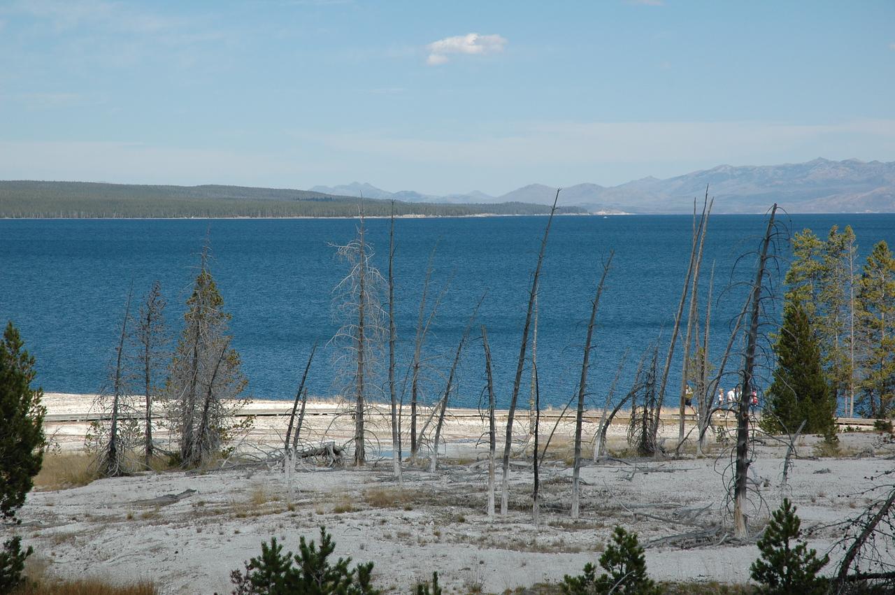 West Thumb Geyser Basin, Yellowstone Lake
