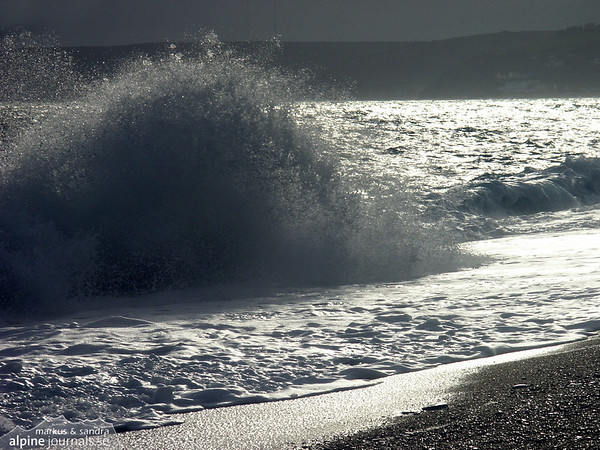 Waves breaking at the coast in Devon