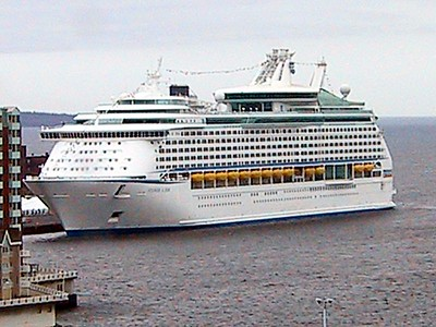 1st CRUISE SHIP 2004