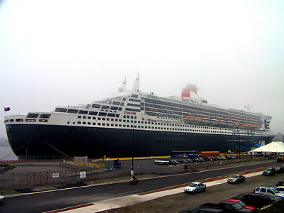 QUEEN MARY 2 IS IN TOWN