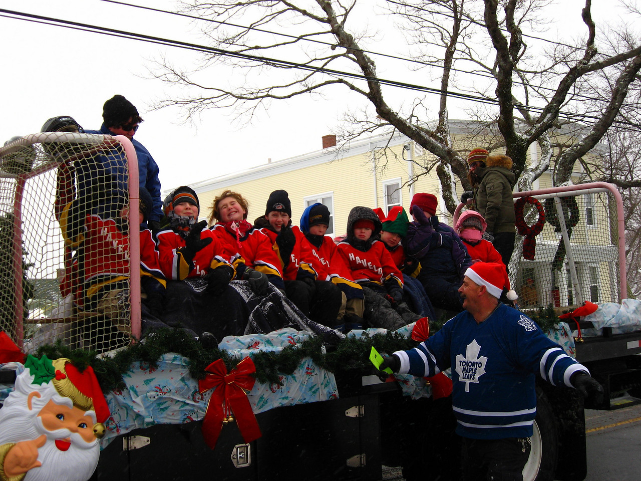 SANTA'S XMAS PARADE - Manawagonish Rd - Havelock Hurricanes Hockey team