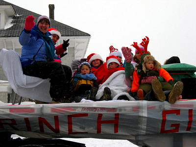 SANTA'S XMAS PARADE - Manawagonish Rd - Hi! Scotiabank people - Hi! Cathy!