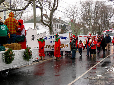 SANTA'S XMAS PARADE - Manawagonish Rd - A bunch of eager Cougars!