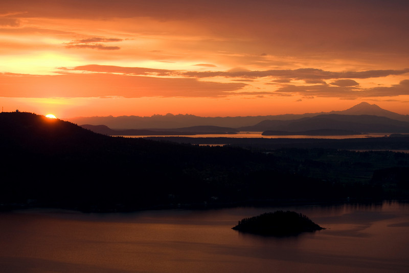 Sunrise May 2, 2009, Malahat lookout., Victoria, B.C.