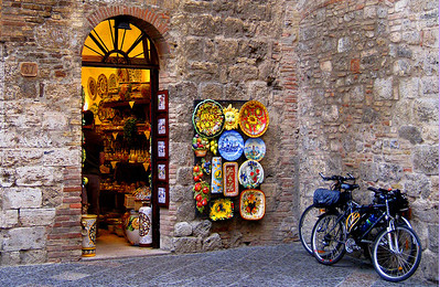 Street Scene in Tuscan Village