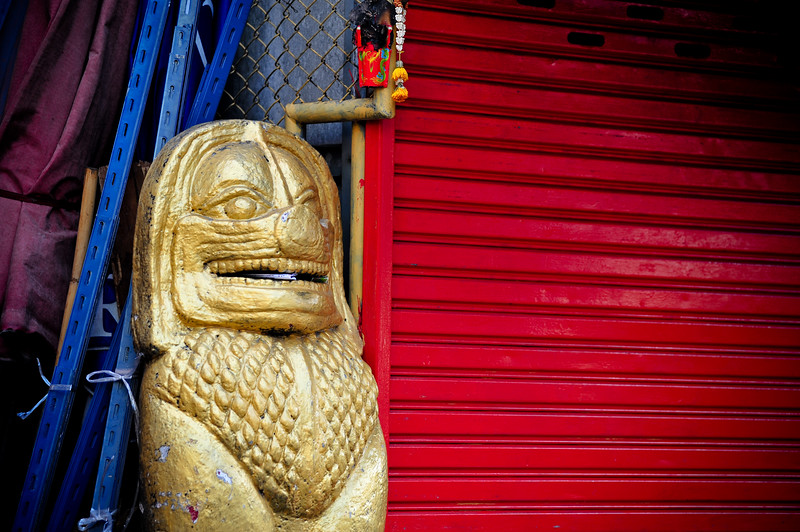 Golden and red, Bangkok (Thailand)
