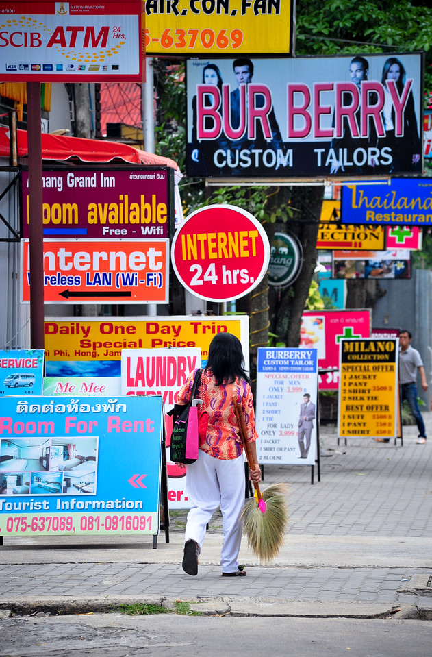 Signs, Ao Nang (Thaiiland)