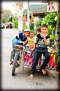 Family street shot, Chiang Mai (Thailand)