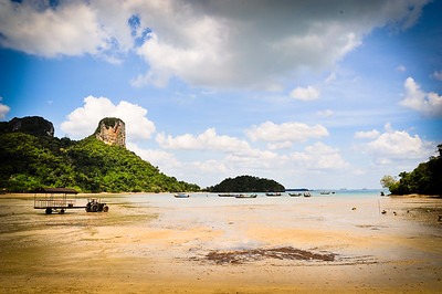Railey beach at low tide, around Krabi (Thailand)