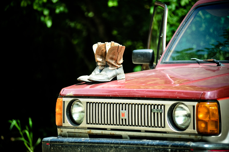 Cowboy boots and truck, Slade (KY, USA)