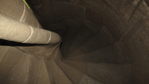 Climbing to the top of the monument...  265 steps