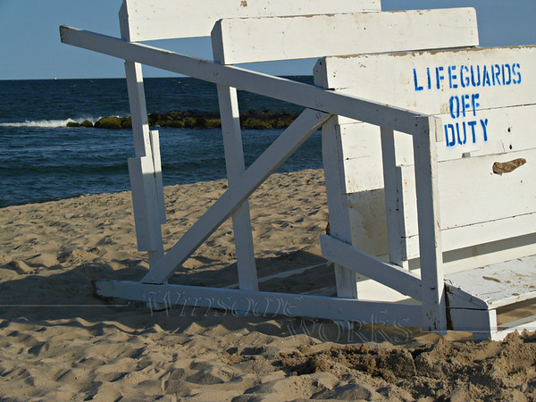 Sign on lifeguards stand at Ocean Grove, New Jersey  [FXpm Ro]