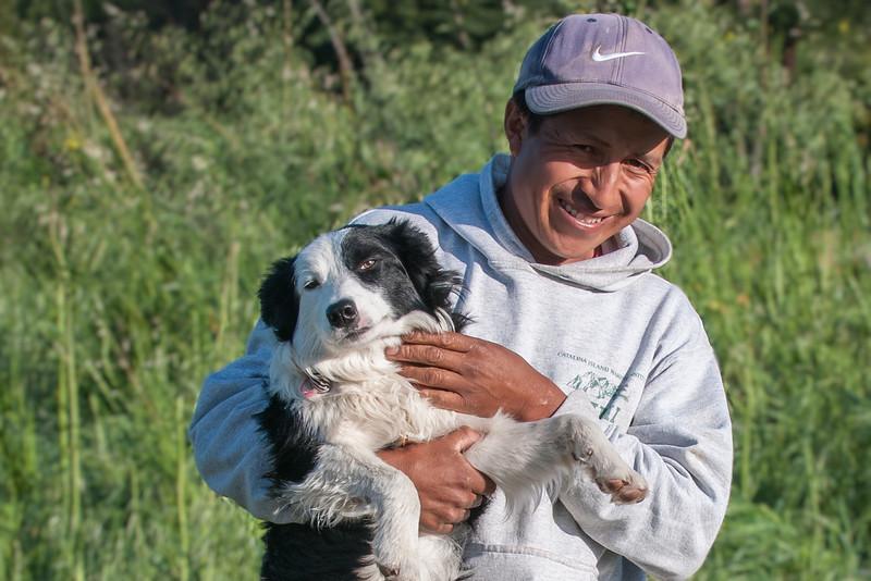 Bonifacio, shepherd from Peru, with border collie.