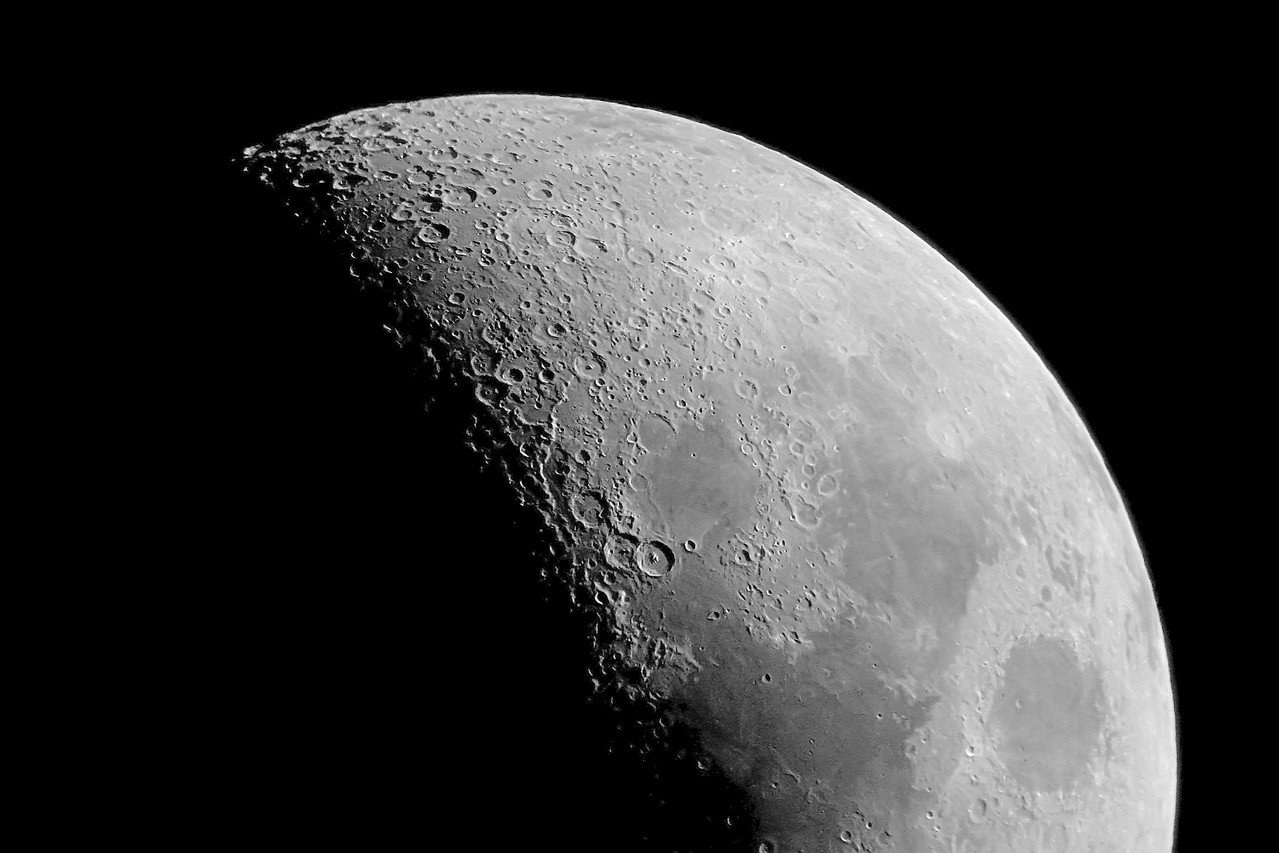 """May 22, 2007 Dan captured this great image of the moon. This is a single image (not stacked.). Photoshop and noiseware 4""""f10 refractor Canon 300d Prime focus.  Amazingly this is a color image with No signs of chromatic aberation!!"""