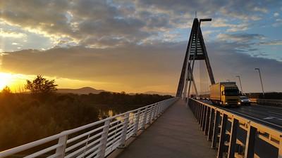 Megyeri Bridge — Megyeri-híd