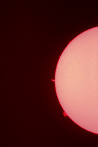Sun shot through Lunt Solar Systems LS100B1800 with a 2X Barlow and Canon 20D mount on a Celestron AS-GT from Tarzana, CA