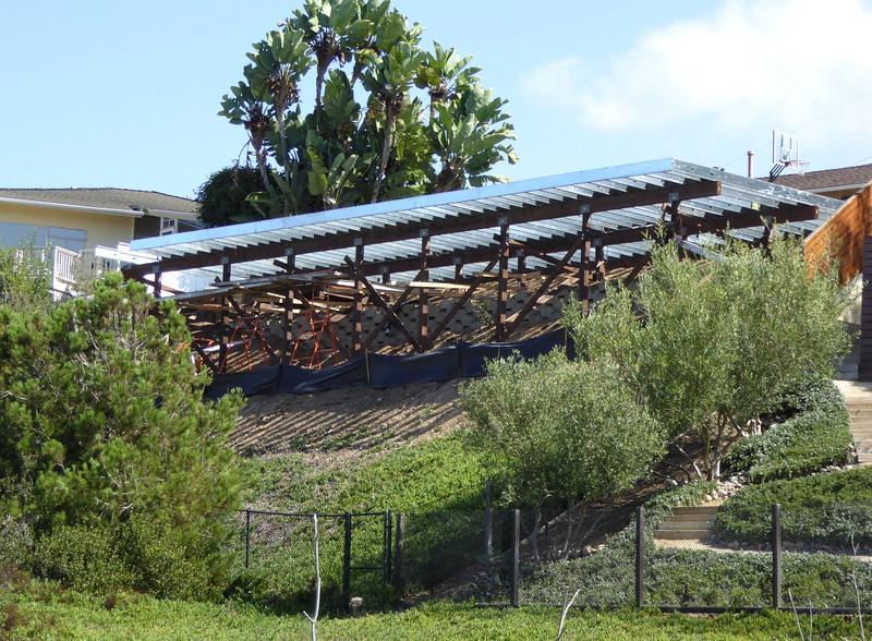 Platform behind Michaeljohn house Hike on Bikepath 151020