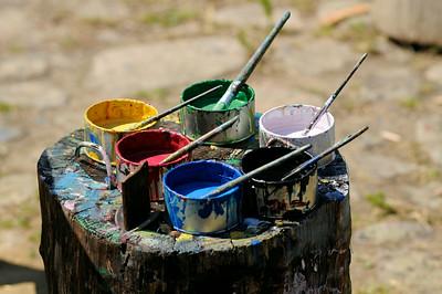 Färgburkar