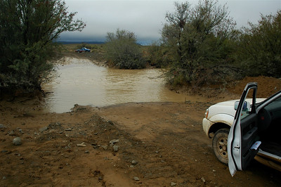 The Karoo is a semi-desert, but that does not mean it does not rain over there. After several days of rain dry creeks can easily become rivers.