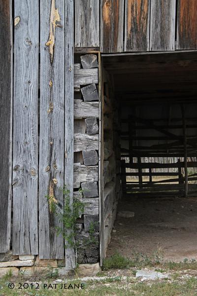 Old barn near Lora's Blind, 04/30/2012.