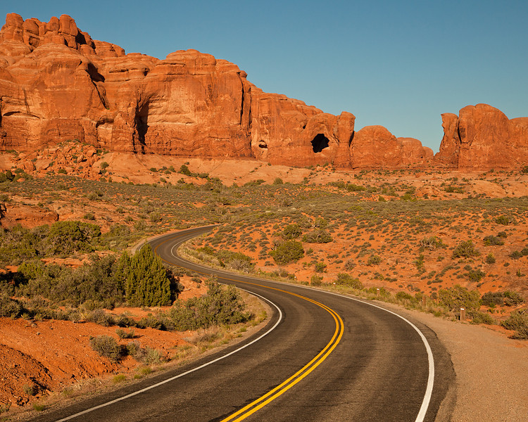 Highway to The Tunnels area - Arches National Park, UT