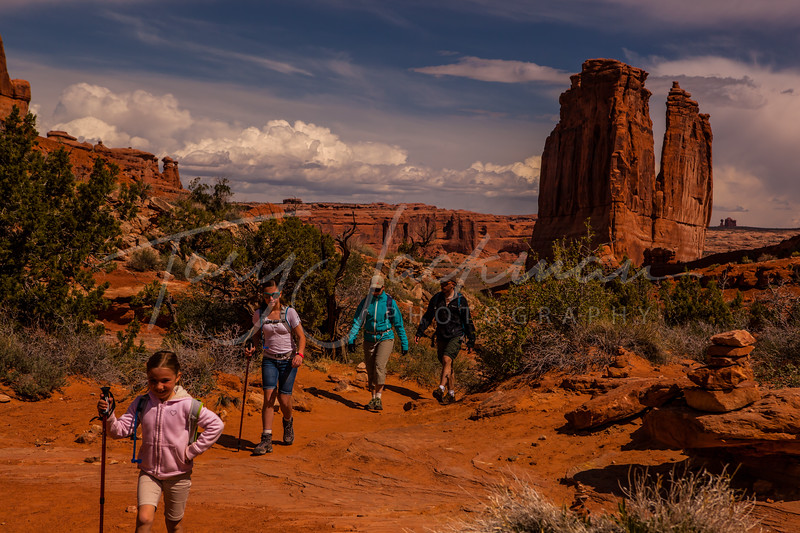Arches, Park Avenue with Hikers