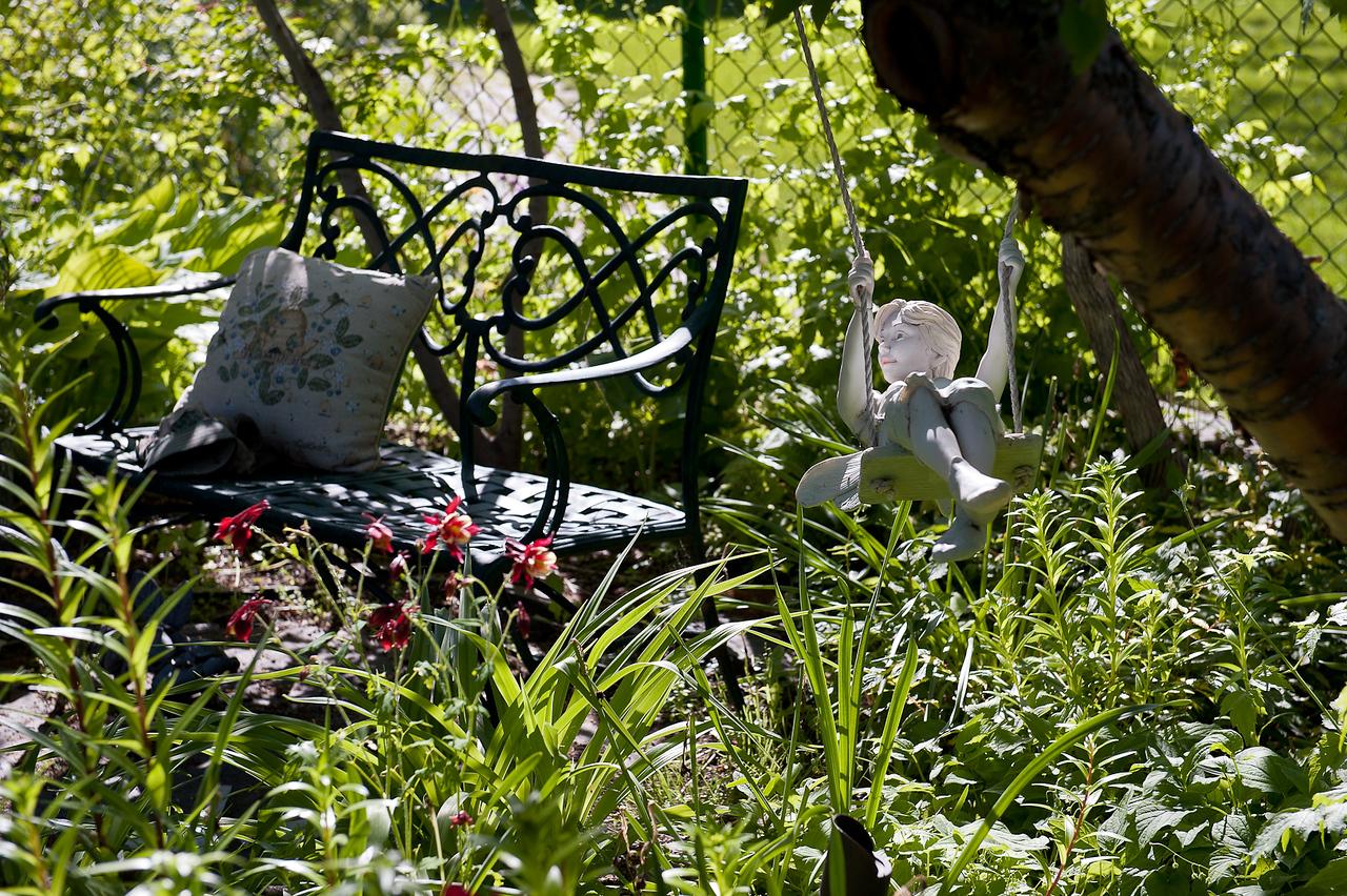 Spring in the Braun Garden.