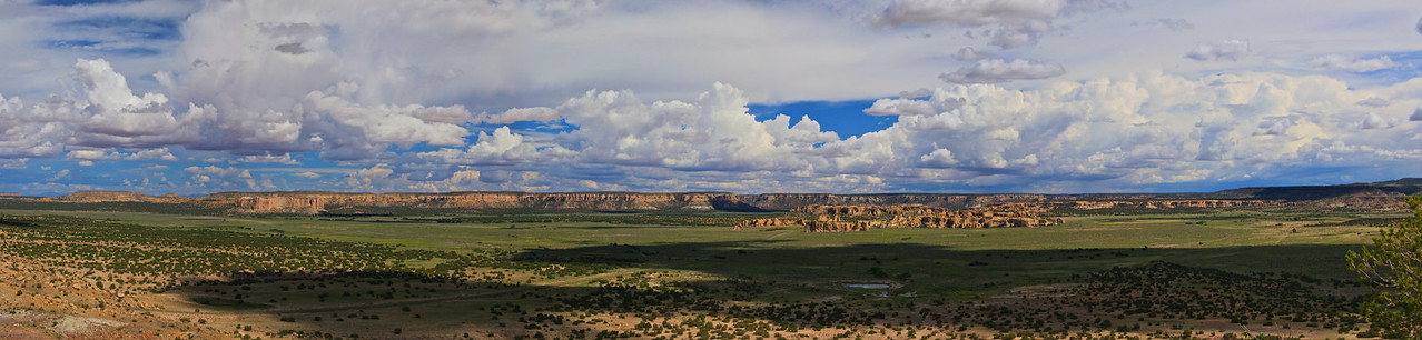 From the Overlook, Acomo Mesa and the surrounding Valley...(Canon EOS 5d Mark II)