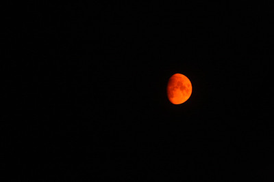 1400 Fires in California, summer 2008 turned the moon red.