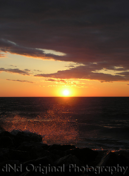 2006 Mich Trip 062 - Sunset with splash