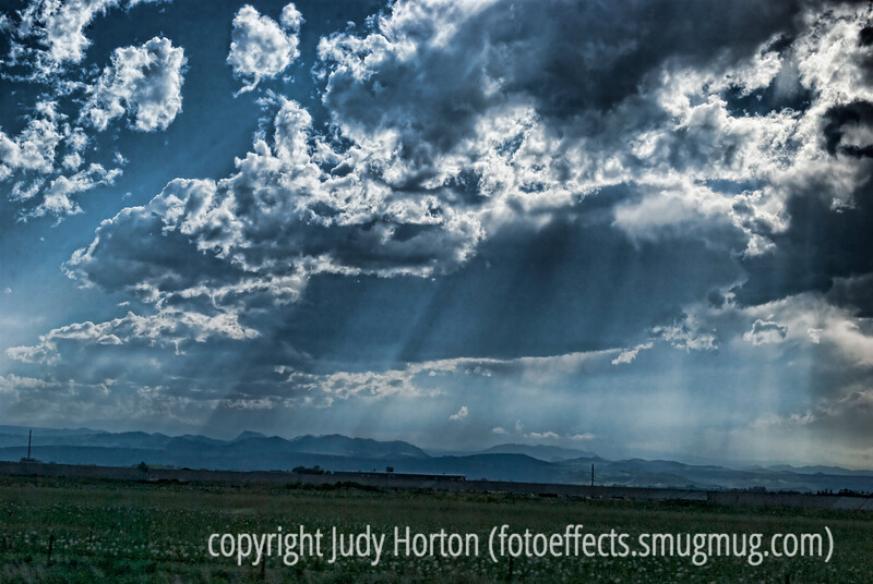 Light rays through the clouds