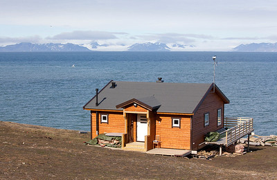 Holiday home on the banks of Isfjorden bay.
