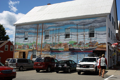 MURAL ALONG WATER STREET IN SAINT ANDREWS
