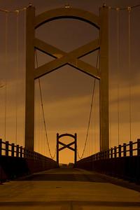 Walking bridge over cumberland River in Nashville TN. 5a.m. HDR