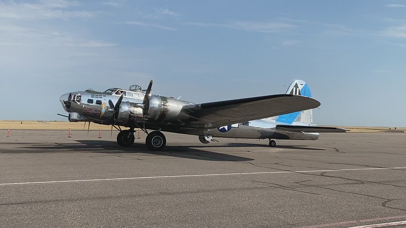 """B-17 """"Sentimental Journey"""" - The Wright Cyclone Radials Come To Life!"""