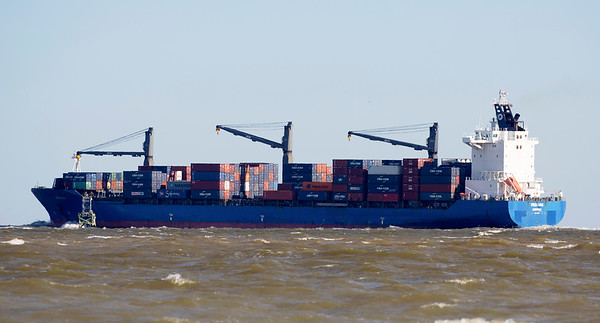 The containership Frise Loga