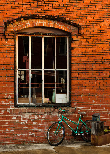 Someone kindly left this bicycle outside for my photographic enjoyment.