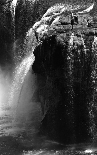 Jumpers at Lower Lewis River Falls