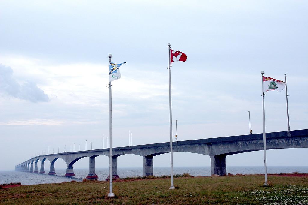 Federation bridge, the way to New Brunswick<br /> 联邦跨海大桥,全长22公里