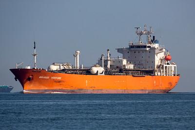 The Tanker, Brugge Venture arrives.