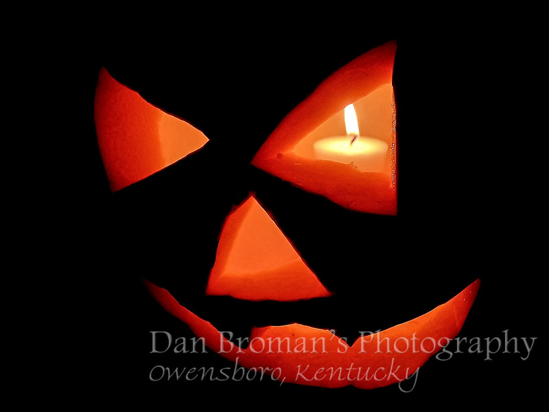 Pumpkin carving 10 25 2005 (36)