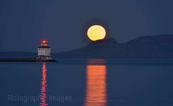 April 2012, Full Moon & Sleeping Giant, Thunder Bay, Ontario, Canada