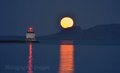 April 2012, Full Moon & Sleeping Giant, Thunder Bay, Ontario, Canada