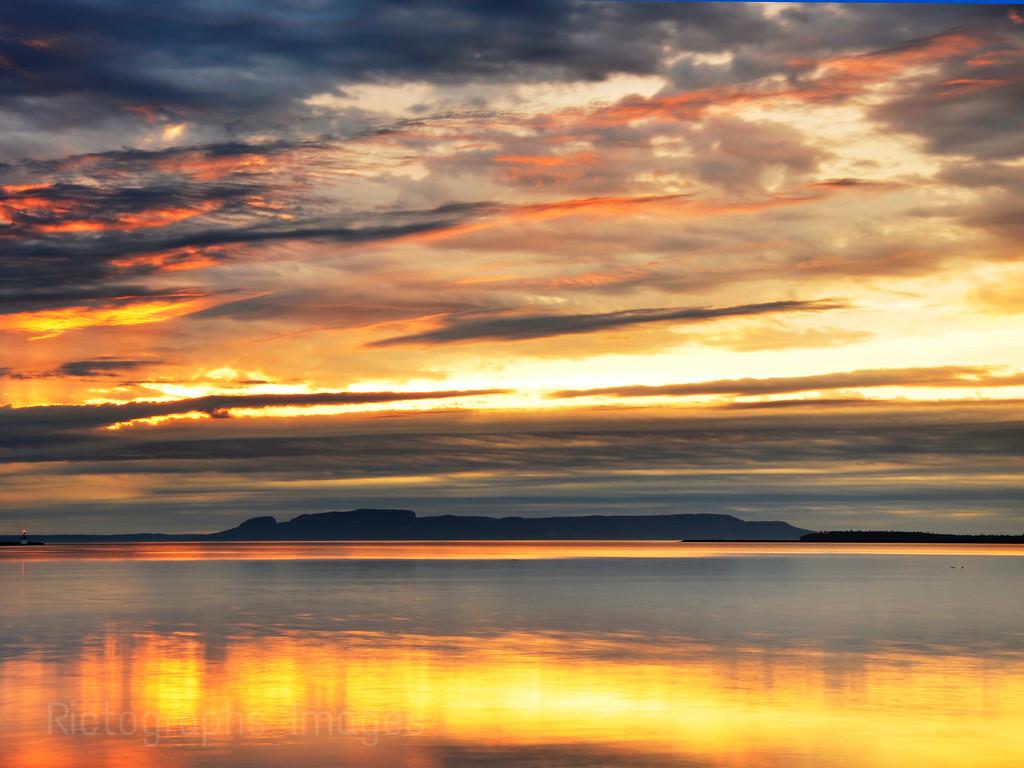 Nanabijou, The Sleeping Giant, Sibley Pennisula, Lake Superior, Thunder Bay, Ontaro, Canada, Ric Evoy, Rictographs Images