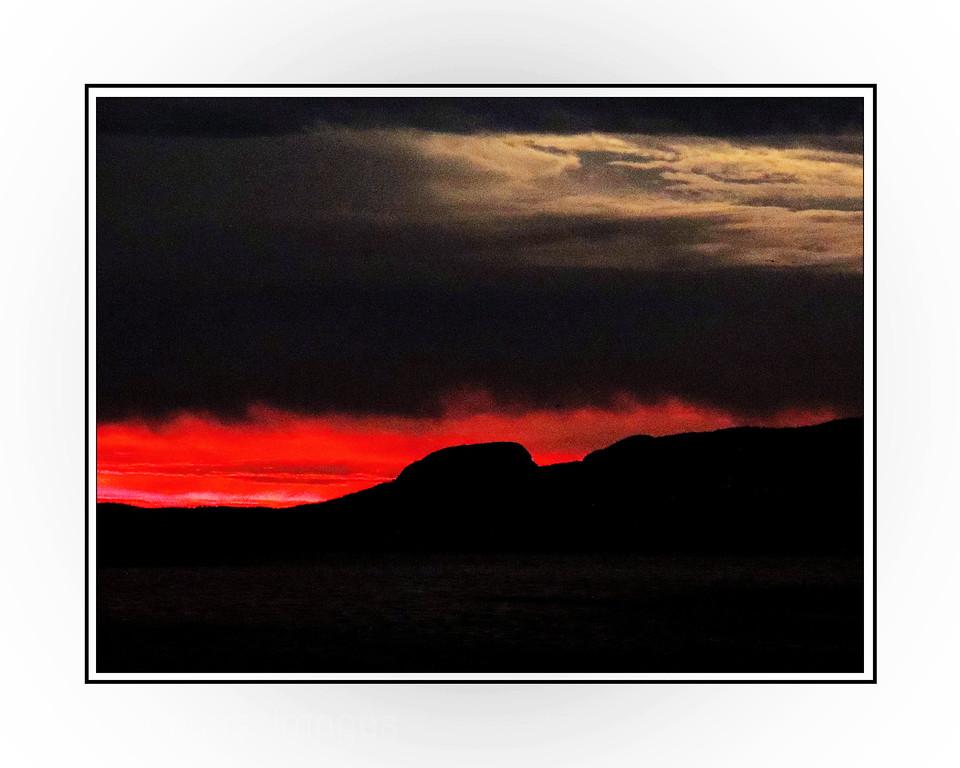 Nanabijou Sun Rise; Rictographs Images, 2015