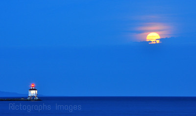 The Full Moon Over Thunder Bay's Harbour June 2011