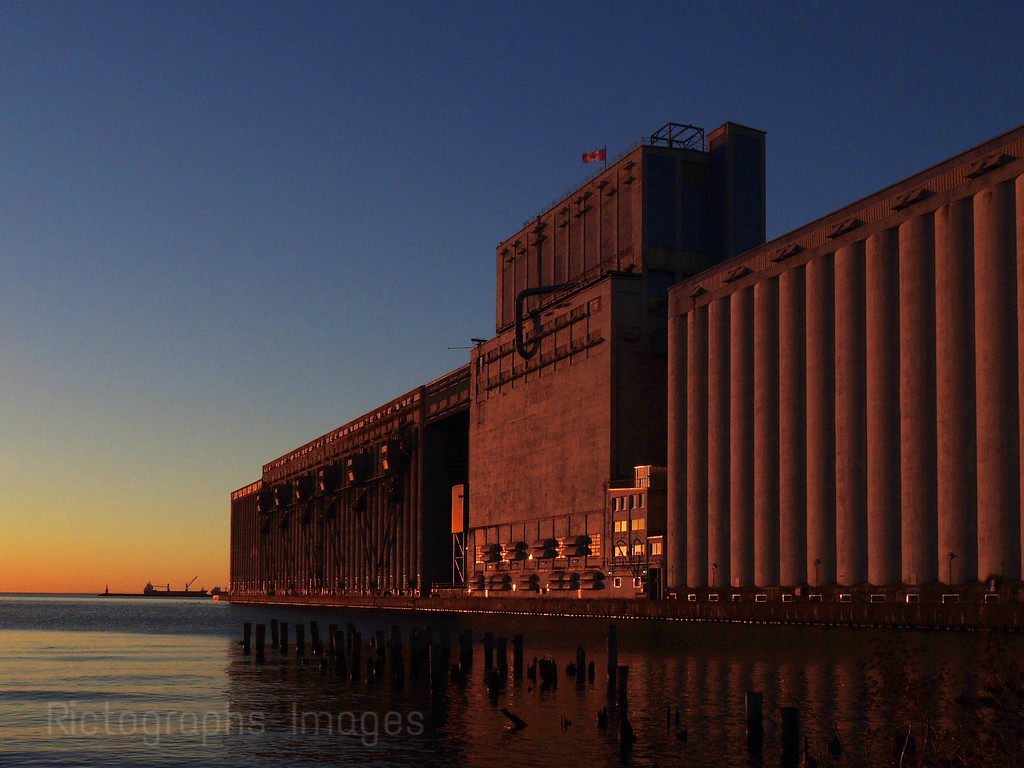 Thunder Bay Harbour, Grain Elevators, 2016, Rictographs Images