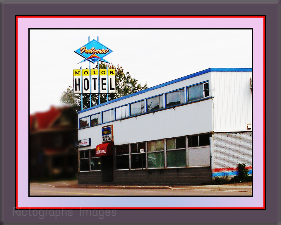 Inntowner Moter HotelThunder Bay, Ontario, CanadaRictographs Images