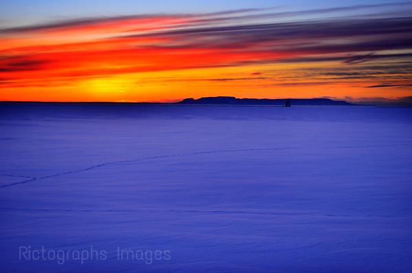 Thunder Bay, Sunrise, Giant Colors