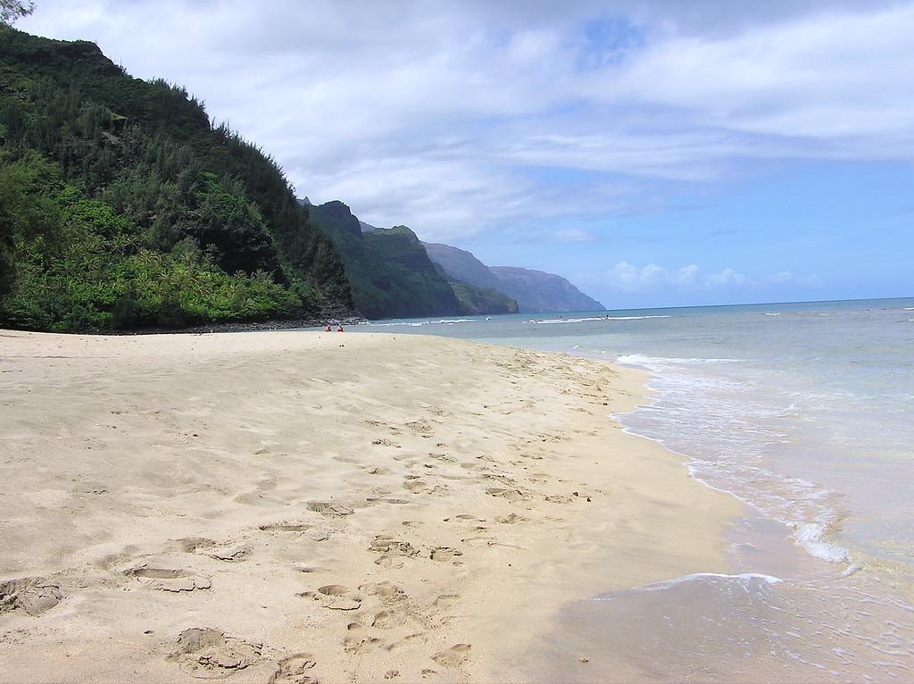 Kee 'ee Beach, Kawai.  Napali  Coast in distance.